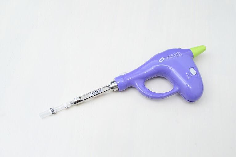 なるべく細い麻酔針を使用